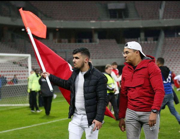 Đội tuyển thắng giao hữu, fan Tunisia ăn mừng như vô địch World Cup - 6