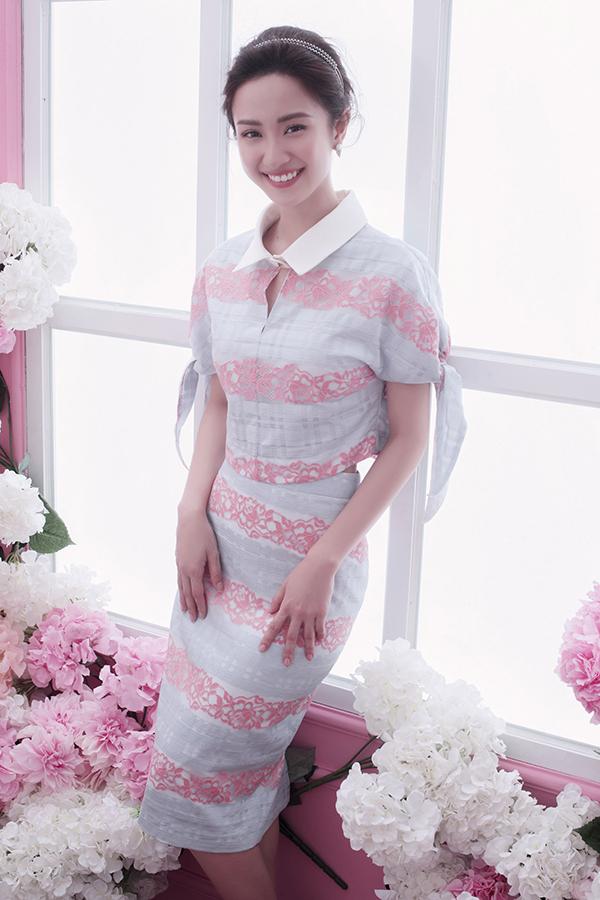 Váy suông, đầm sơ mi dành cho các buổi tiệc được chăm chút kỹ lưỡng hơn về các tiểu tiết ở vai áo, chân váy cùng các chi tiết trang trí đi kèm.