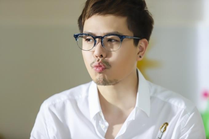 Trịnh Thăng Bình gây bất ngờ với Ông ngoại tuổi 30 - 2