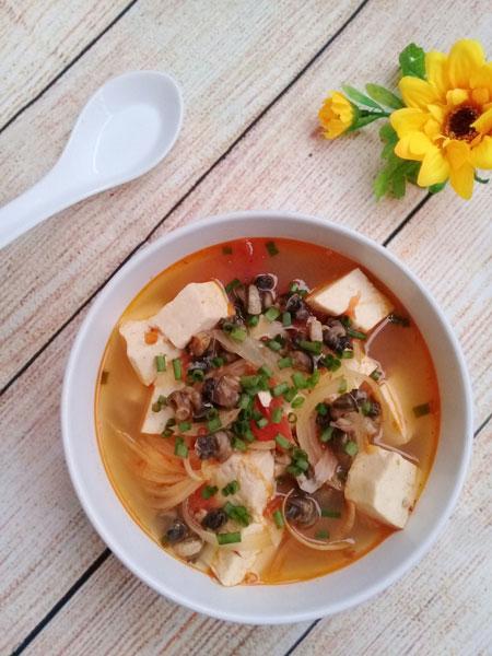 Canh ốc nấu đậu phụ ngọt ấm cho ngày mát trời - 1