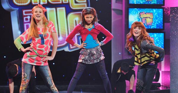 Caroline (trái) và hai bạn diễn trong Shake It Up. Ảnh: Glamxer
