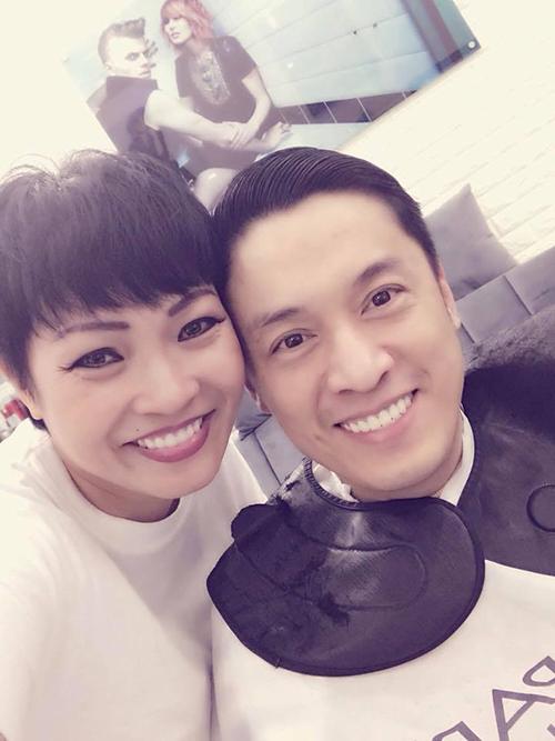 Phương Thanh đưa bạn thân Lam Trường đi làm tóc. Chị Chanh viết: Nói chung zai của tui là phải đẹp từ ngày này sang năm nọ,đưa ổng đi làm đẹp cho gái theo chơi. Hai người vẫn giữ được tình cảm tốt đẹp nhiều năm trong showbiz.