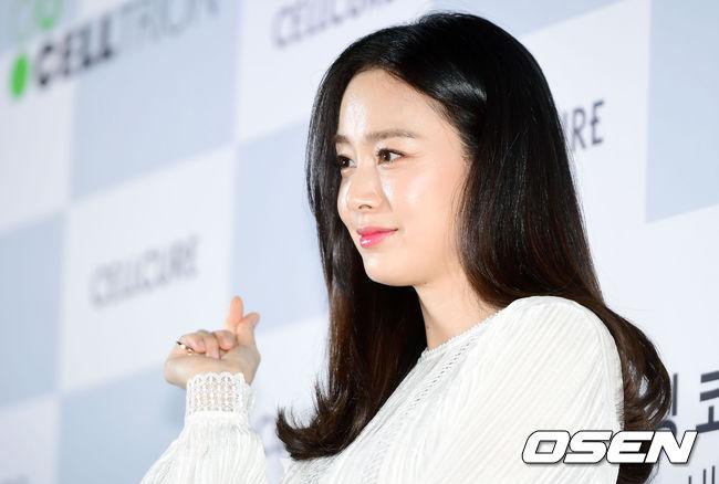 Kim Tae Hee mặt tròn trịa hơn sau 5 tháng sinh con - 6