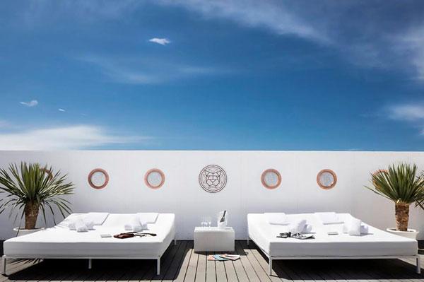 Siêu sao Bồ Đào Nha có hai khách sạn mang tên mình ở quê nhà Funchal và Lisbon.