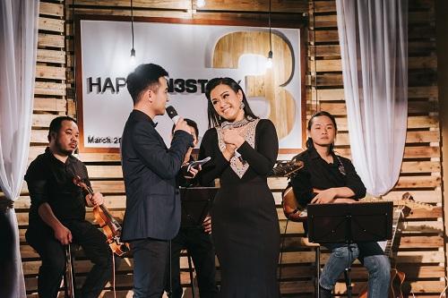 Các khách mời tham gia đêm nhạc.