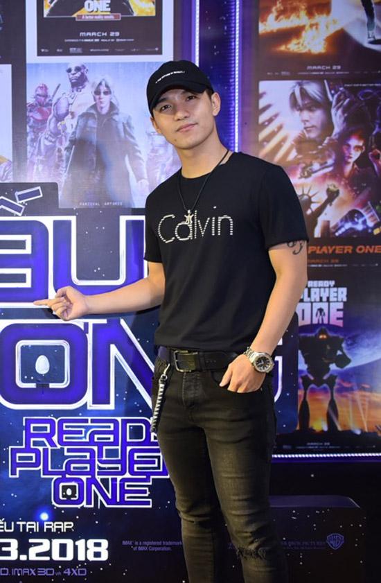 Jun Vũ được rừng fan bao vây khi xuất hiện tại sự kiện - 1