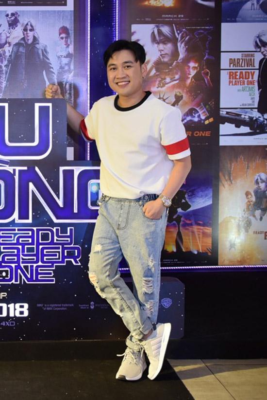 Jun Vũ được rừng fan bao vây khi xuất hiện tại sự kiện - 4