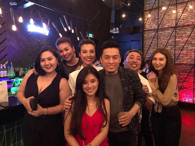 Lam Trường chúc mừng từng thành viên tham gia đoàn phim Năm tháng rực rỡ vì thành công của bộ phim.