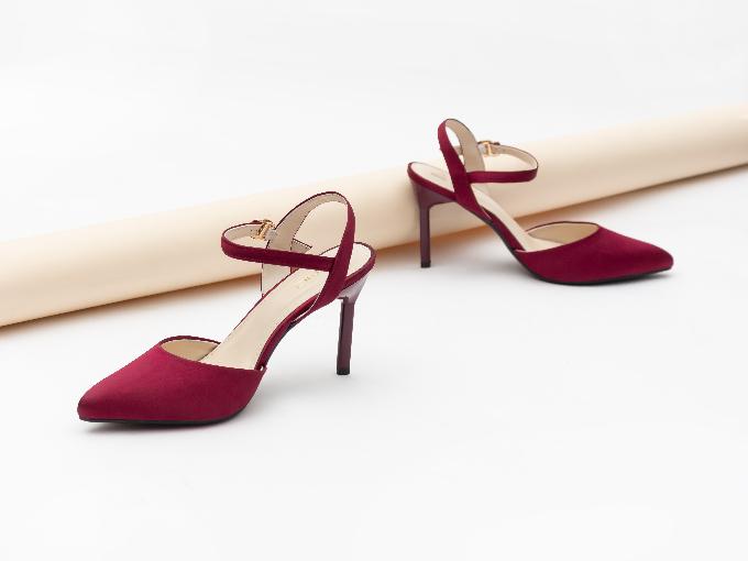 Juno bán 200.000 đôi giày đồng giá 200.000 đồng