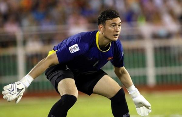 Văn Lâm là thủ môn số một ở tuyển Việt Nam hiện tại. BĐ.