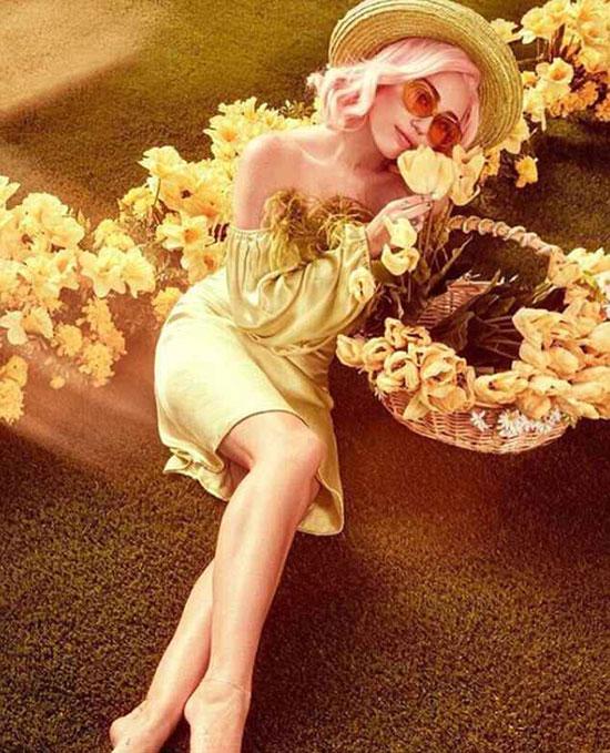 Nữ ca sĩ vốn rất thích khoác lên người những trang phục sắc màu rực rỡ.