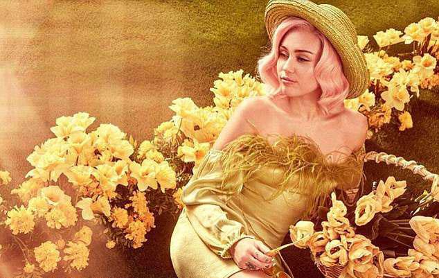 Miley Cyrus đón lễ Phục sinh với bộ ảnh sexy - 9