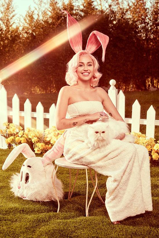 Miley Cyrus hóa thân thành nàng thỏ tươi xinh, chào đón lễ Phục sinh năm nay (ngày 1/4).