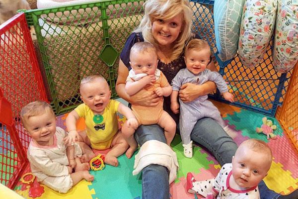 5 em nhỏ sẽ tròn 1 tuổi vào tháng 5 tới. Ảnh: Caters News Agency.