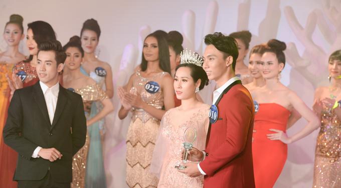 Ngoài đảm nhận vai trò giám khảo đêm chung kết, người đẹp đã có những hoạt động đồng hành cùng các thí sinh và tham gia chấm điểm một số phần thi phụ.