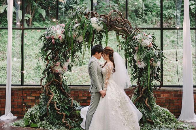 Nhẫn cưới ngọc trai, tổ chức tiệc trong nhà kính: Đây mới là mốt của 2018 - 3