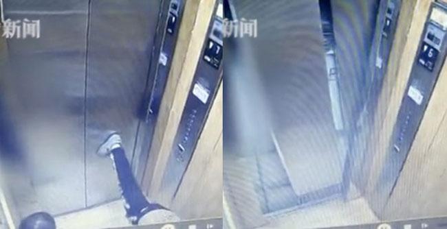 Cú đá chân nhẹ của cậu bé cũng đủ khiến cửa thang máy hỏng tan tành.