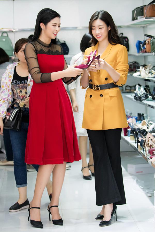 Sau đăng quang Hoa hậu, Hương Giang đi mua giày giá 200.000 đồng - 5