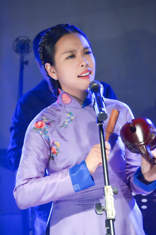 Nhiều thế hệ hát nhạc Trịnh cùng đứng chung sân khấu để tưởng nhớ ông.