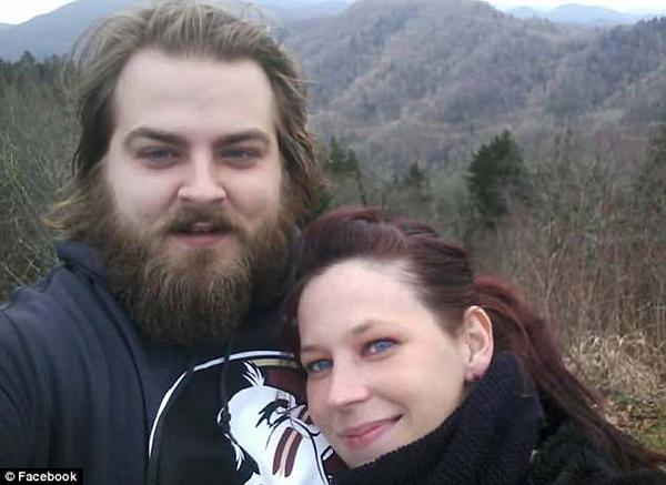 Crystal Gail Amerson và hôn phu. Ảnh: Facebook