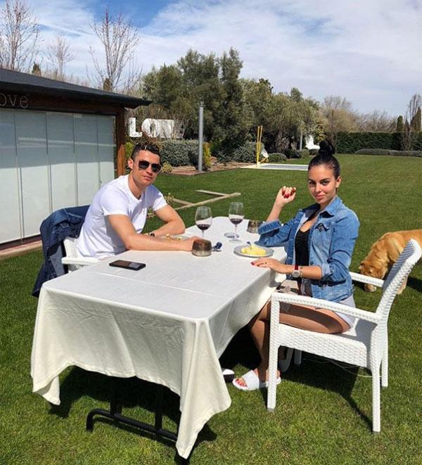 Khu vườn tuyệt đẹp của C. Ronaldo. Ảnh: NN.