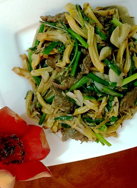 Nhụy hoa gạo xào thịt bò
