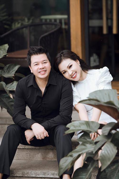 Người vợ phía sau ánh hào quang của ca sĩ Đăng Dương