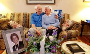 Cặp vợ chồng Mỹ tái hôn sau nửa thế kỷ ly hôn