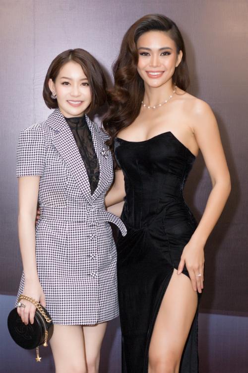 Người đẹp tiết lộ kế hoạch trong năm 2018 sẽ đảm nhận rất nhiều vị trí quan trọng của các cuộc thi nhan sắc quốc tế và cô tự tin sẽ đóng góp vào sự tỏa sáng của các thí sinh Việt Nam .