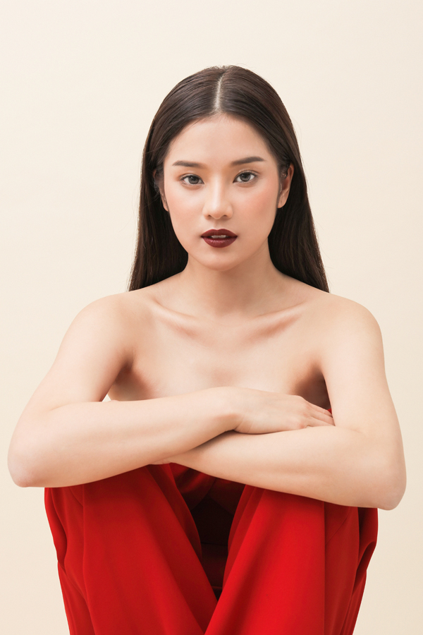 Nữ chính Tháng năm rực rỡ lần đầu chụp ảnh khỏa thâny - 1
