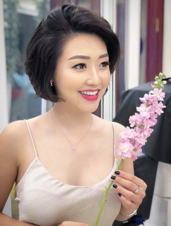 Dù đã bước sang tuổi 34 nhưng chị Nguyệt Minh vẫn giữ được nhan sắc tươi trẻ.