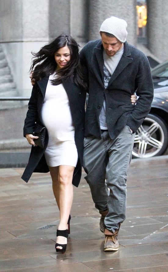 Jenna Dewan hạnh phúc thông báo mang bầu vào cuối năm 2012.