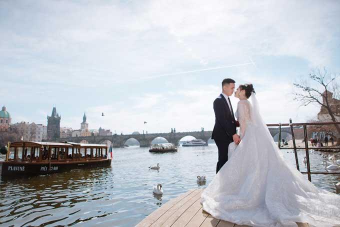 Ảnh cưới chụp tại Séc của đôi uyên ương yêu qua Facebook - 10