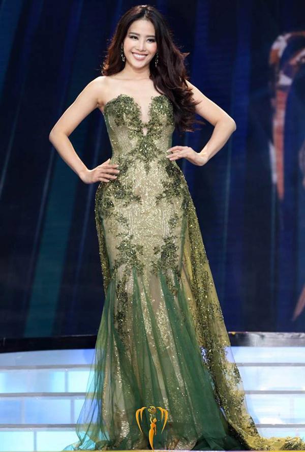 Nam Em giành vị trí top 8 tại Miss Earth 2016. Đây là thành tích cao nhất của đại diện Việt Nam tại cuộc thi.