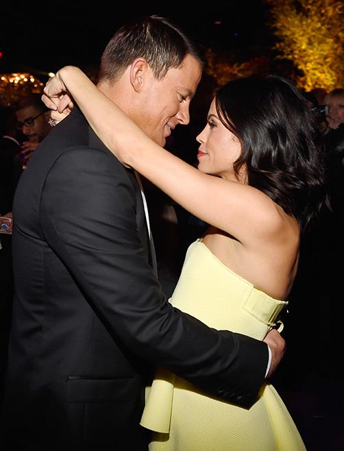 Vợ chồng Channing nhìn nhau say đắm trong khi khiêu vũ tại tiệc sau lễ trao giải Quả cầu vàng 2015. Sự mặn nồng của cặp đôi luôn khiến biết bao người ngưỡng mộ.