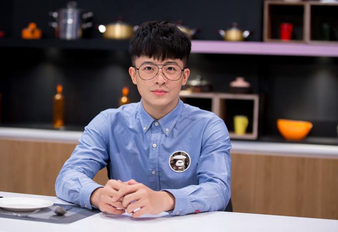 Ngoại hình của hot boy gốc Đài Loan không thay đổi nhiều như các fan lo ngại. Anh luôn ý thức kiêng đồ dầu mỡ, nhiều chất béo và tập thể dục thường xuyên để giữ vóc dáng chuẩn.