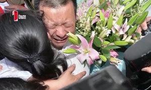 Cuộc hội ngộ của tài xế taxi và con gái sau 24 năm thất lạc