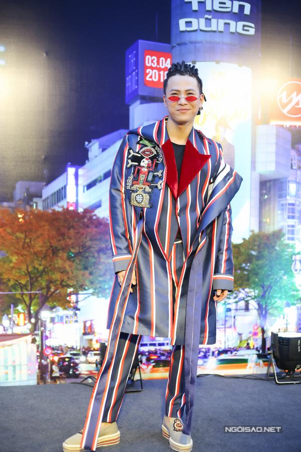 Mai Tiến Dũng cùng e-kip đã tổ chức thành công buổi họp báo ra mắt MV Tối nay em muốn sao. Đây chính thức là phát pháo khai màn cho chuỗi dự án dài hơi trong năm 2018 của Mai Tiến Dũng. MV được đầu tư khủng với những hình ảnh lung linh, hiện đại được thực hiện trong suốt 8 ngày liền tại Tokyo, Nhật Bản.
