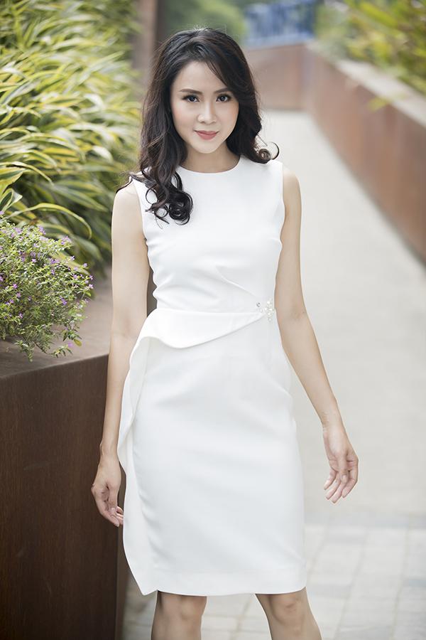 Đối với các nàng công sở mê mặc đẹp,chọn váy áo hợp mùa, hợp mốt là việc làm không thể thiếu để thể hiện sự sành điệu và taọ dấu ấn phong cách cá nhân.