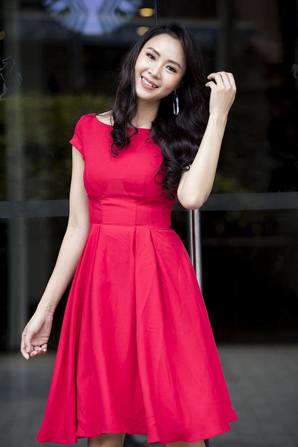 Bộ sưu tập tổng hợp các mẫu váy kiểu dáng thanh lịch và giúp phái đẹp dễ dàng sử dụng khi đến văn phòng làm việc.