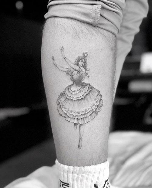 Hình xăm mới nhất của cậu cả nhà Becks khác họa chân dung một vũ công ballet