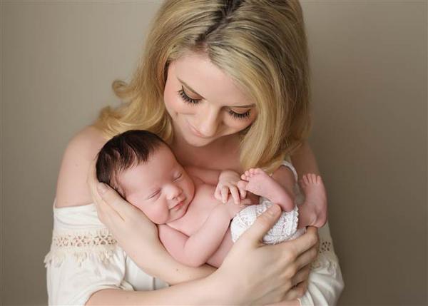 Brittany biết tin chồng hy sinh khi đang mang thai 6 tuần. Ảnh:NPS Photography.