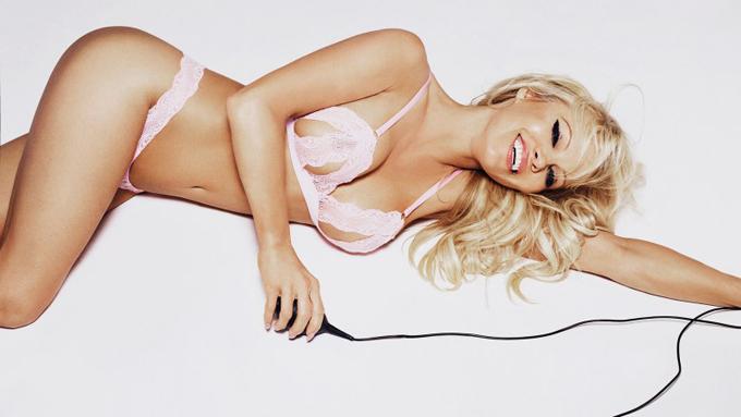Nữ diễn viên và người mẫu Pamela Anderson.