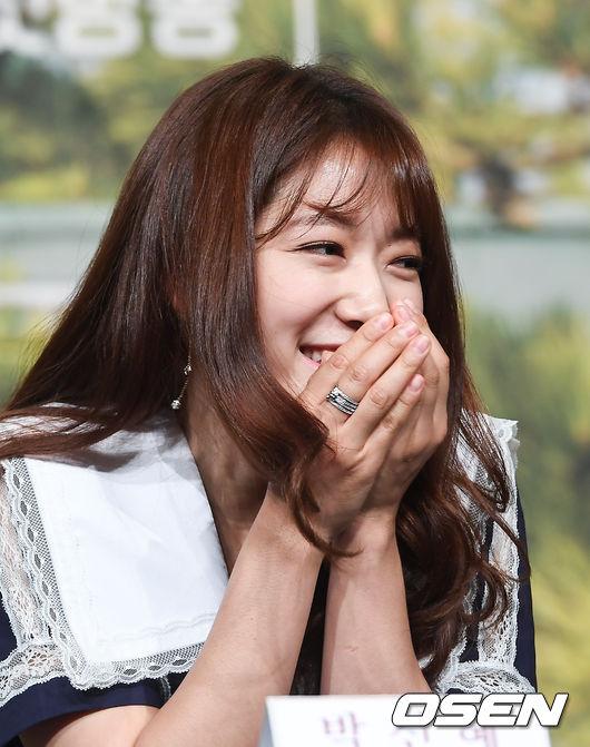 Một số nguồn tin cho hay, Park Shin Hye đang có kế hoạch trở lại màn ảnh với bộ phim Memories of the Alhambra, đóng cùng Hyun Bin. Tuy nhiên, hiện tại cả hai bên chưa lên tiếng xác nhận.