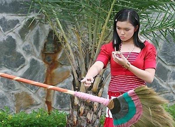 Đối thủ của Angela Phương Trinh lúc nhỏ tái xuất sau lấy chồng sinh con - 1