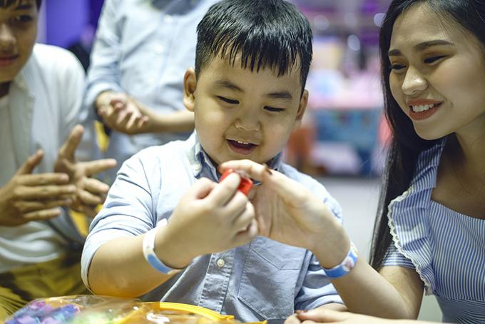 Cậu nhóc Luke Nguyễn được nghệ sĩ Lê Giang sinh ở Australia khi chị kết hôn với một Việt kiều cách đây vài năm.