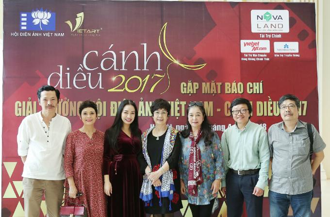 Đại diện Hội Điện ảnh Việt Nam và Công ty cổ phần Truyền thông Vietart tại buổi gặp mặt báo chí.