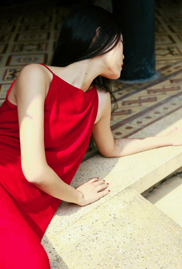 Xéo Xọ: Xéo Xọ được tạo nên với một mong muốn rất đơn giản: khiến bạn cảm thấy mình là con gái, thấy mình thu hút và yêu thương bản thân mình hơn.