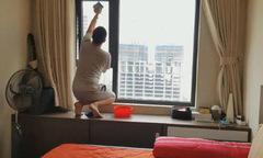 Chồng lắp camera ghi cảnh dọn nhà làm bằng chứng đưa vợ