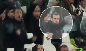 Bale ngồi bất động, không mừng bàn thắng của C. Ronaldo